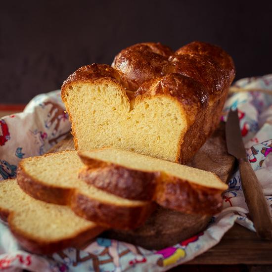 Das Grundrezept für Brioche findest Du in School of Baking