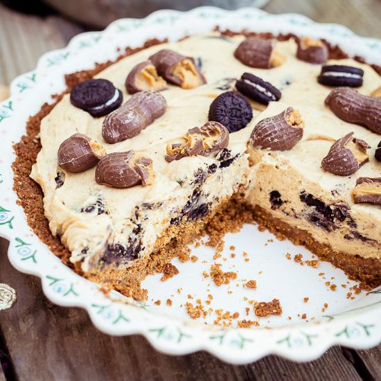 Das Grundrezept für diesen Peanut Butter Pie findet Du in Backen Mit Love