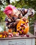 Halloween Kürbis mit Trockenblumen