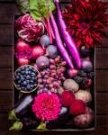 Pink und Lila Früchte- Genüsekorb