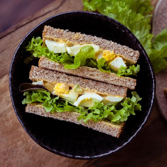 Ich mag Eiersalat besonders als Sandwich