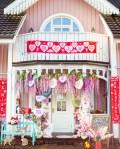 Rosa Haus Eingang Frühling