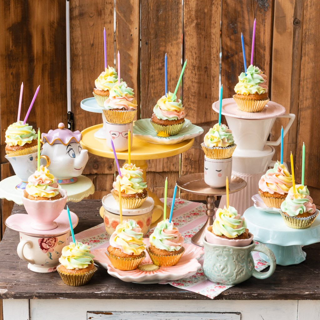 Der Teig für diese Muttertagscupcakes ist ein Victoria Sponge