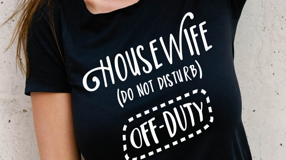 housewife off duty do not disturb funny svg cut file
