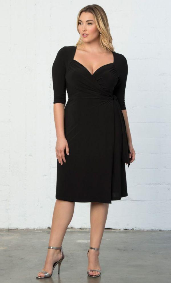 Plus Size Sweetheart Knit Wrap Dress Black