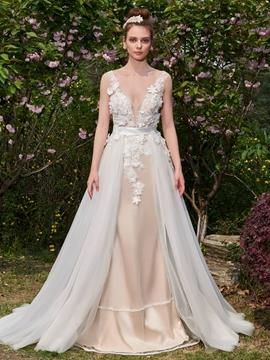 Appliques Flowers Deep V-Neck Backless Wedding Dress