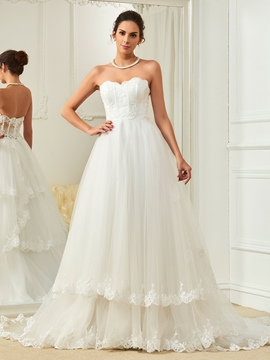 Charming Appliques Sweetheart A Line Wedding Dress