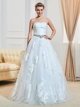 Classic Sweetheart Beaded Ball Gown Wedding Dress