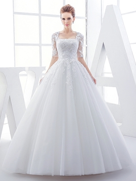 Elegant Appliques Ball Gown Wedding Dress With Sleeves