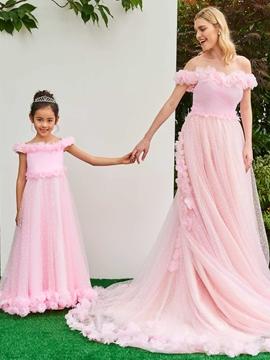Off The Shoulder Flower Tulle Pink Wedding Dress