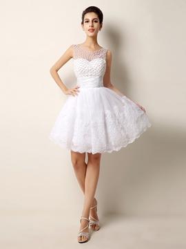 Pretty Scoop Pearls Appliques Short Wedding Dress