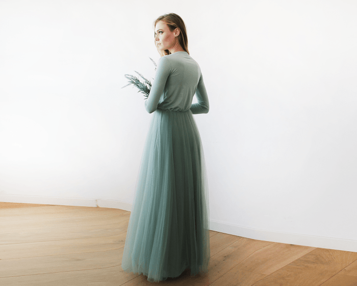 Sage green maxi tulle dress with long sleeves 1066