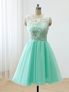 Exquisite Round-Neck Lace A-Line Short Prom Dress