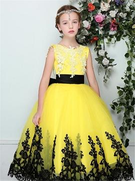 Stylish Tulle Appliques Scoop Sleeveless Flower Girl Dress