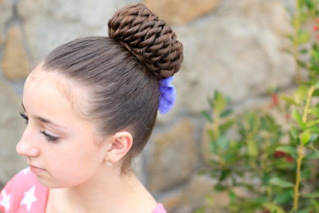 rope-twist pinwheel bun | prom hairstyles | cute girls