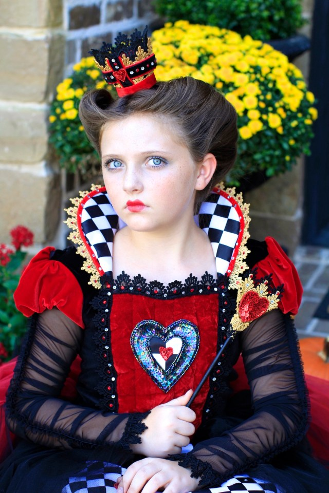 red queen (queen of hearts) | halloween hairstyles | cute
