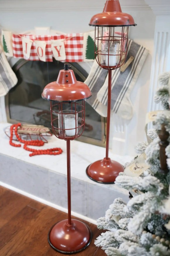 These lanterns look great in or outdoors.