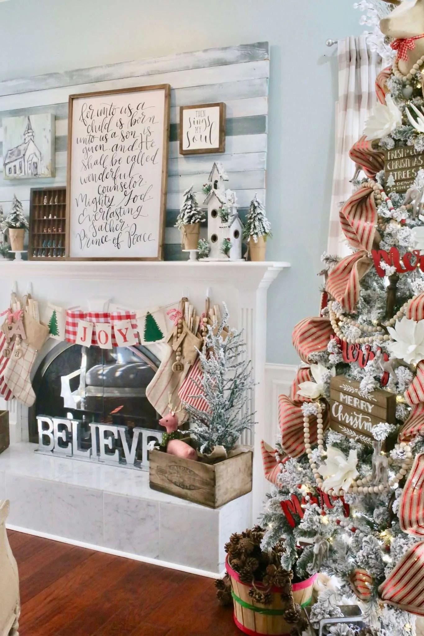 Merry & Bright Holiday Home Tour A Cozy Living Room for Christmas ...