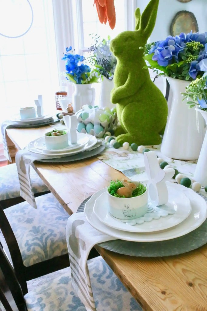 easter tablescape place setting