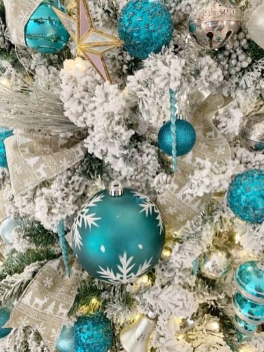 bluechristmastree2