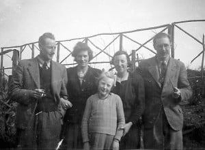 Arthur (right), plus pipe and Williams cousins.
