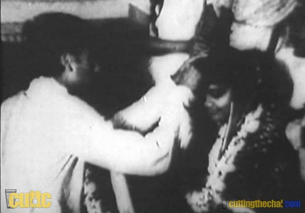 ishore Kumar getting marriied to Ruma Ghosh in 1951