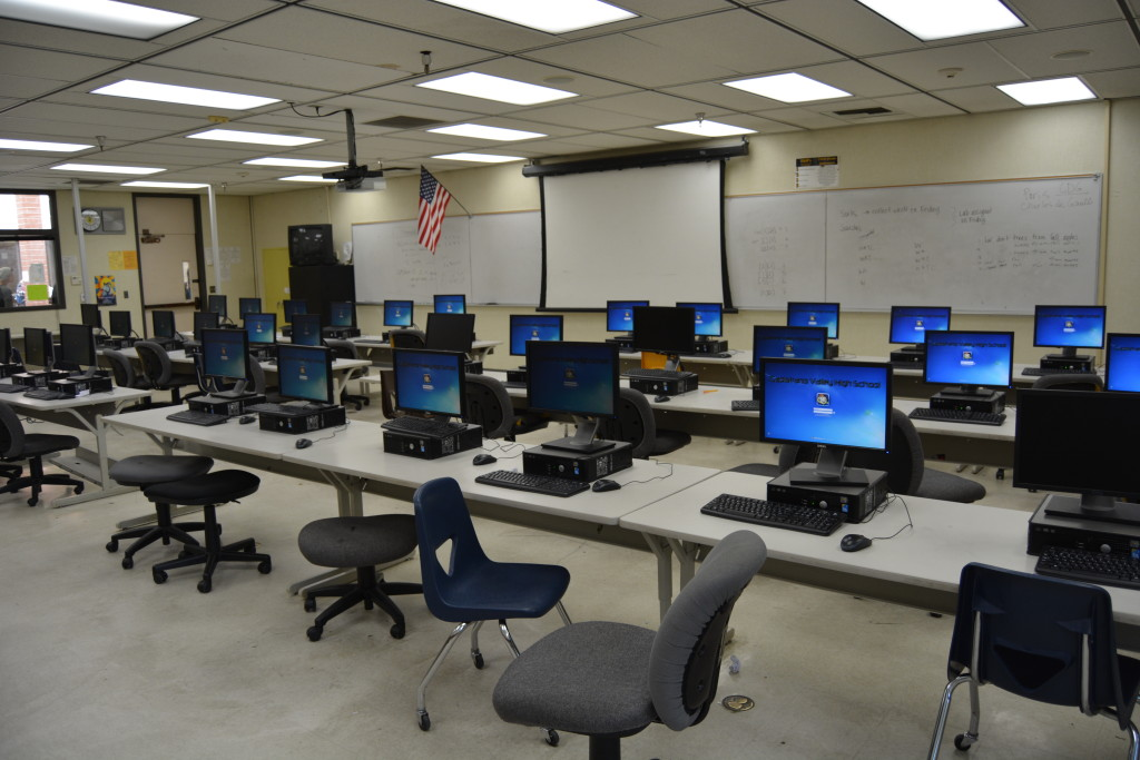 CVHS Foundation Funds New Computers for School Lab  CVHS