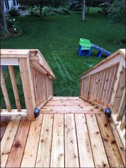 Deck with graspable handrail