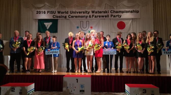 Vicemistři světa vezou medaile z Japonska