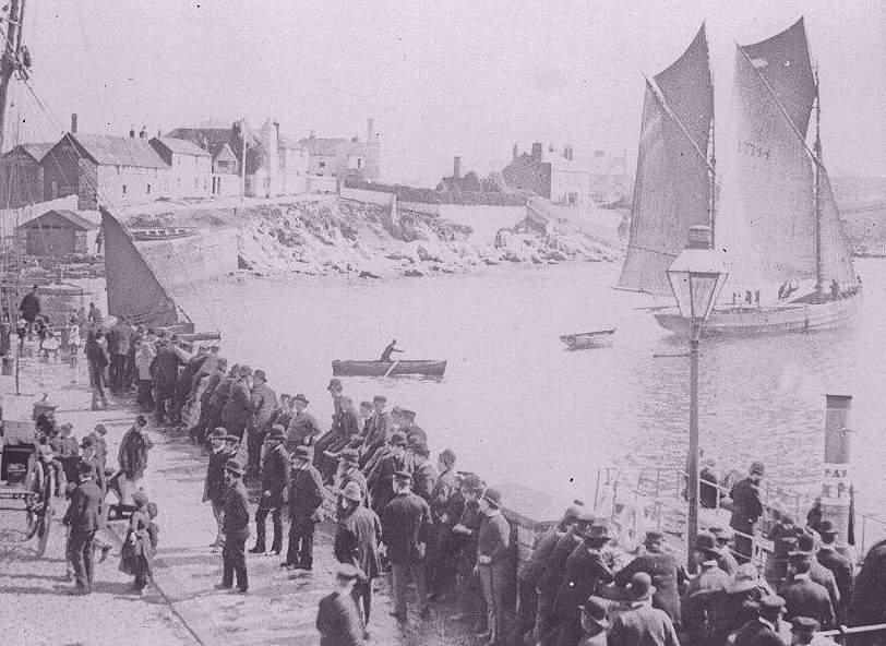 Plymouth In Old Photographs