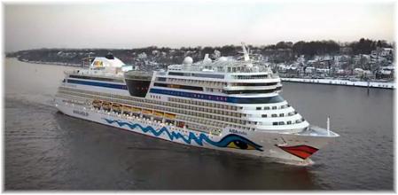 AidaStella sailing the Elba River to Hamburg