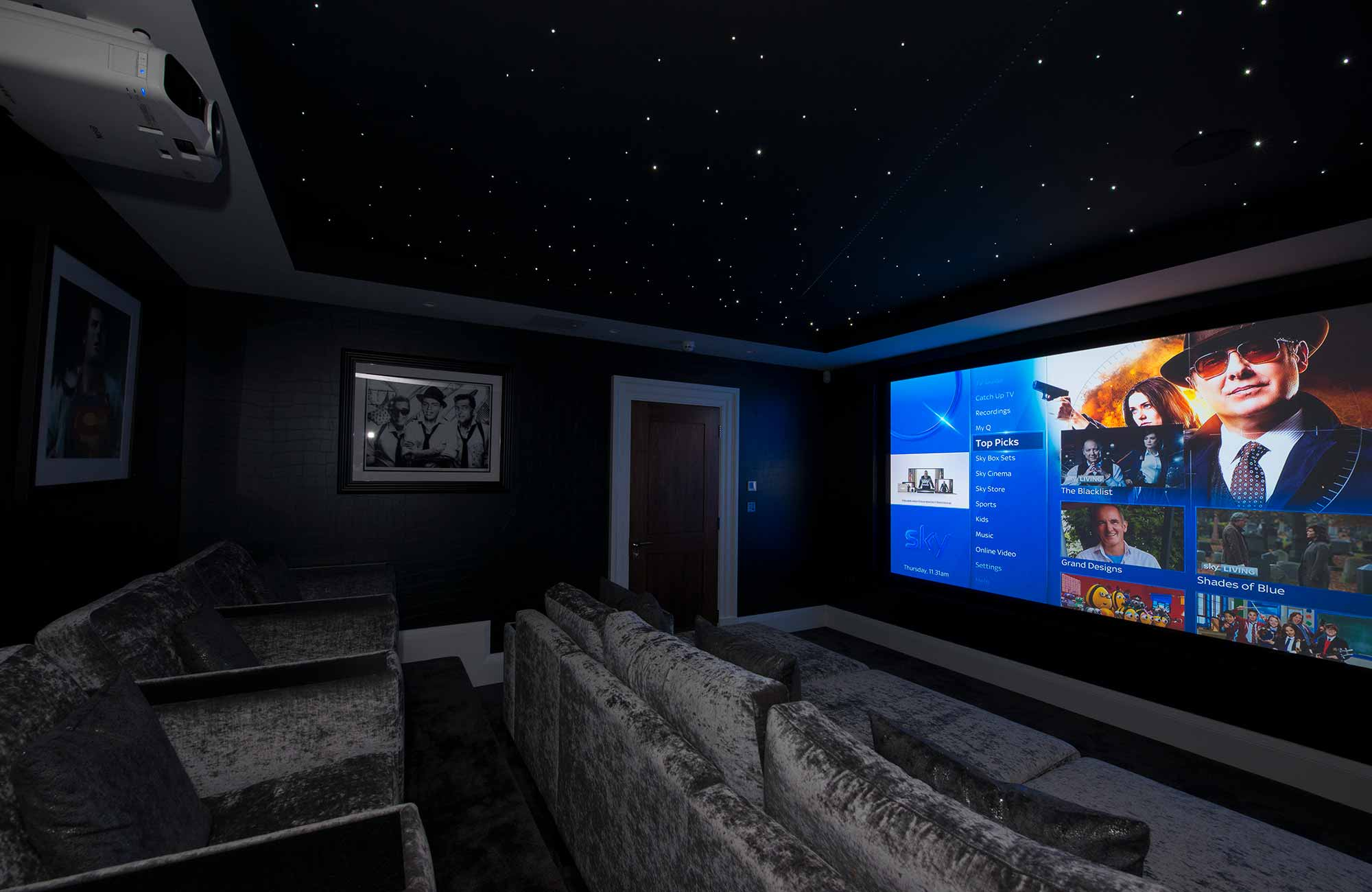 hight resolution of dedicated home cinema room with epson projector and 3 m screen