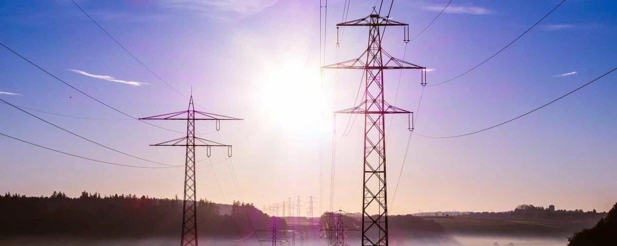 , Bedrohung der Stromversorgung durch Attacken auf intelligente Verteilernetze nimmt zu, Cyberpolicen