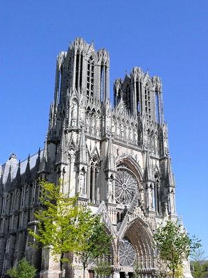 Locations de vacances  la Cathdrale NotreDame de Reims et ses environs