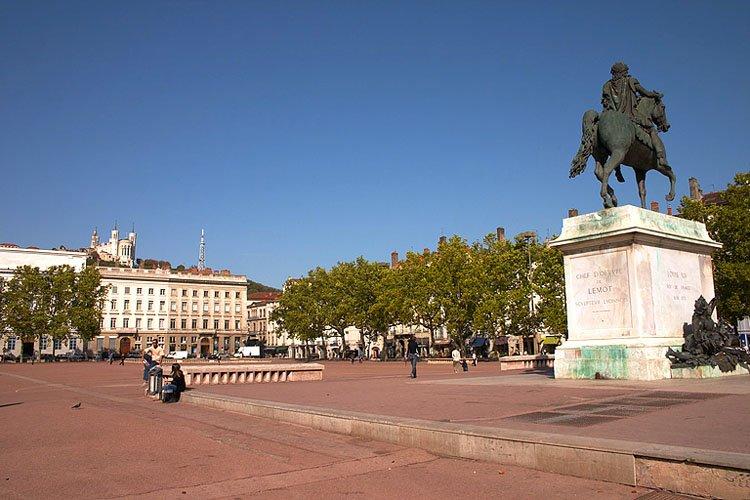 Chambres dhtes  la Place Bellecour Lyon et ses environs