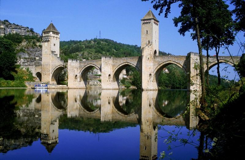 Chambres dhtes au Pont Valentr Cahors et ses environs
