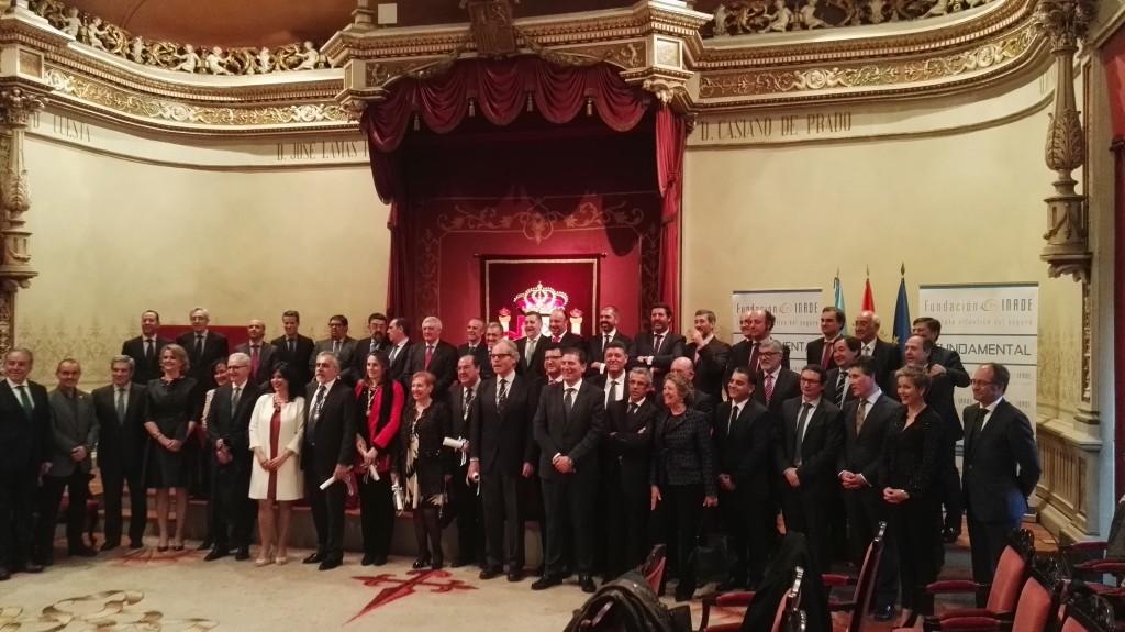 Foto de familia de los Galardonados y Autoridades del acto