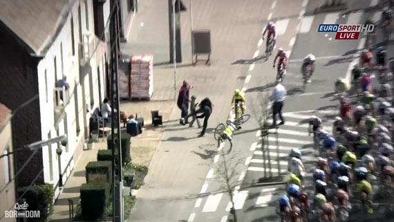 Cycleboredom | Screencap Recap: Ronde van Vlaanderen - Langevelde Down