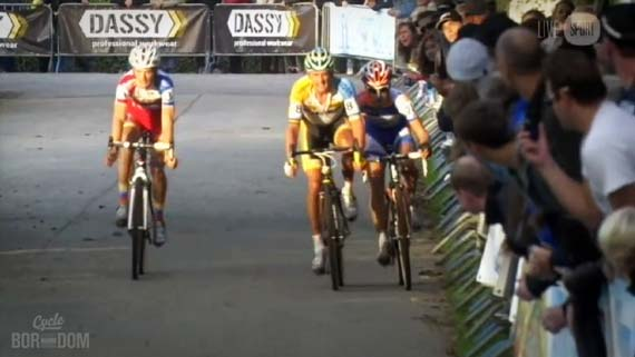 Cycleboredom | Screencap Recap: 2012 Cyclocross Bosduin Kalmthout - Lars Comes Knocking