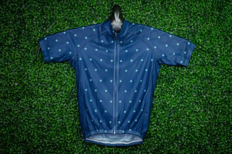 Checking Out Cutaway's Full Cloud Line - Jerseys + Base Layer