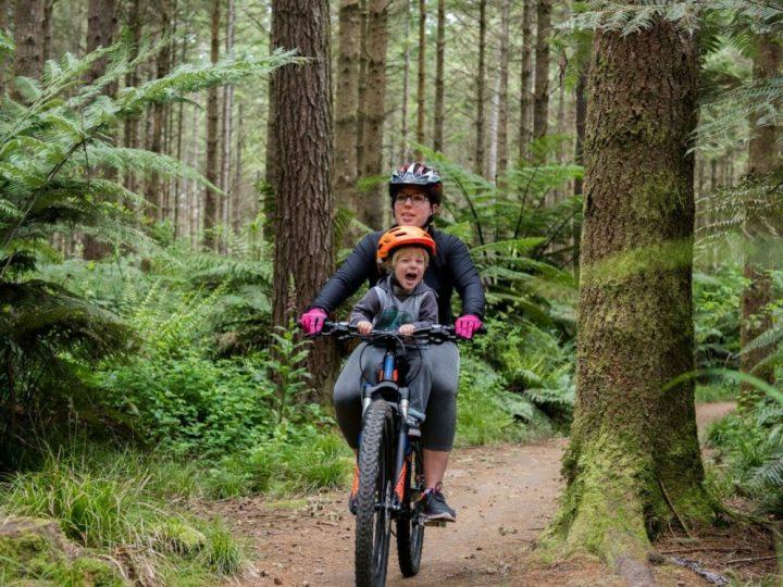 Shotgun kids front bike seat in action