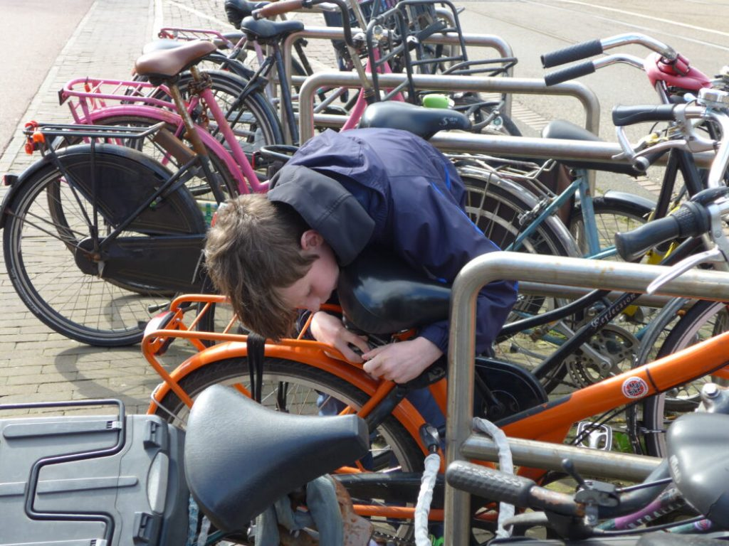 Locking up rental bikes in Amsterdam is child's play!