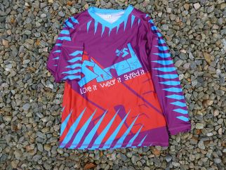 best cycling presents for a 4 year old this Christmas - Exciting mountain bike top from ShredXS