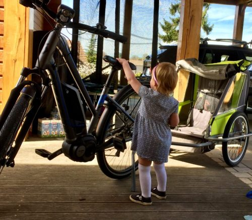 Child trailer and electric bike