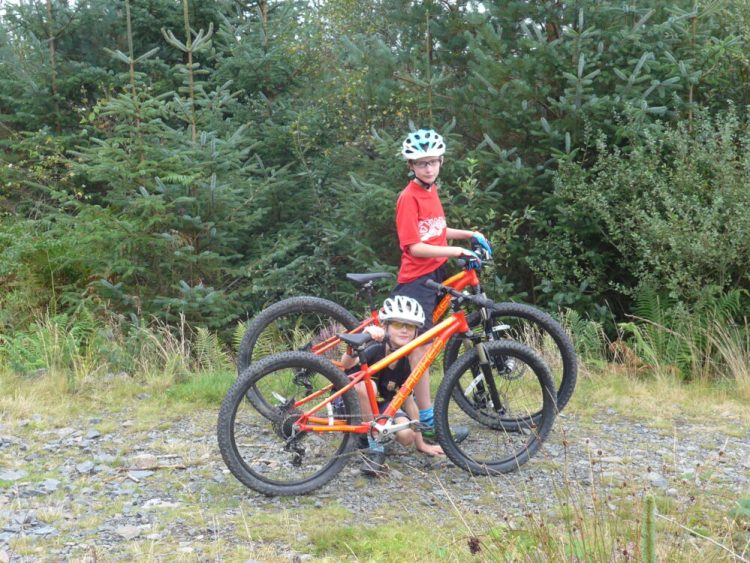 "Review of the Islabikes Creig Mountain Bikes for kids - 24"" and 26"" wheels"