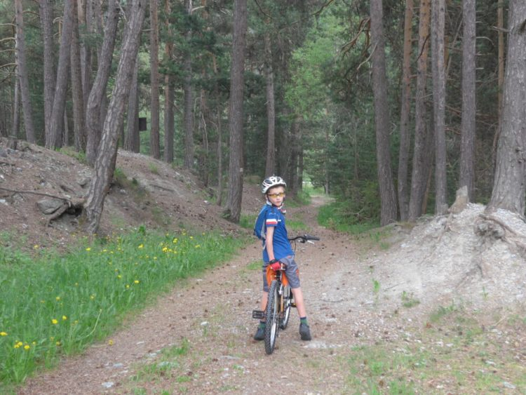 Strat of the off road section on the trail to Briancon