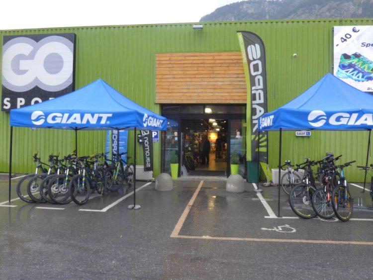 Cycle hire shop in Briançon