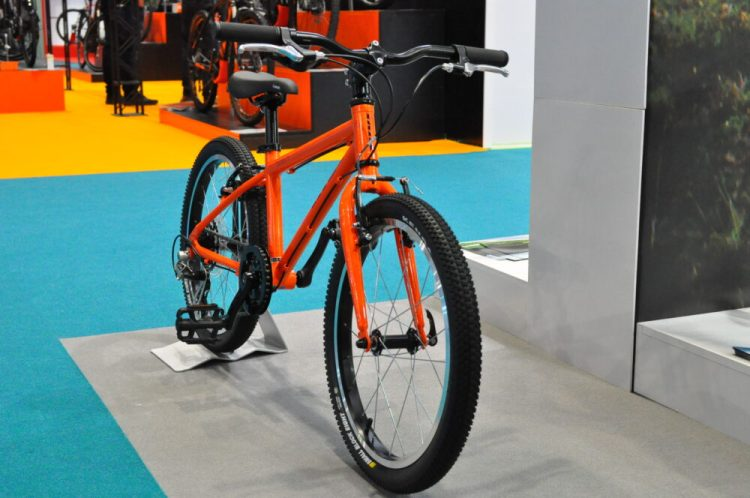 Cycle Show 2017 - Vitus Twenty in orange