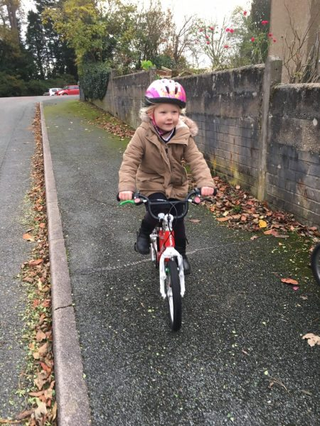 "Cycling to school on the Woom2 lightweight 14"" wheel kids bike for 4 year olds"