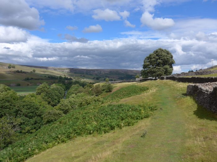 Cycling the Swale Trail near Reeth in the Yorkshire Dales with kids
